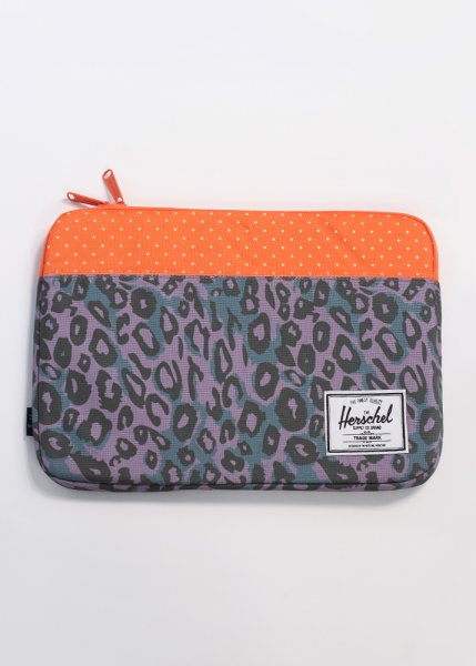Herschel supply co anchor sleeve 13 macbook air case for Housse macbook air 13 paul smith