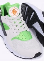 Nike Footwear Air Huarache Trainers - Action Green