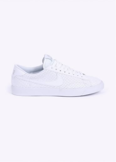 Nike Footwear Tennis Classic AC Trainers - White / Platinum