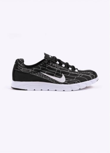 Nike Footwear Mayfly Trainers - Black / White