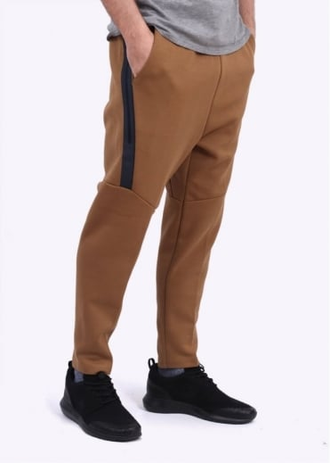 Nike Apparel Tech Fleece Cropped Pants - Beige / Gold