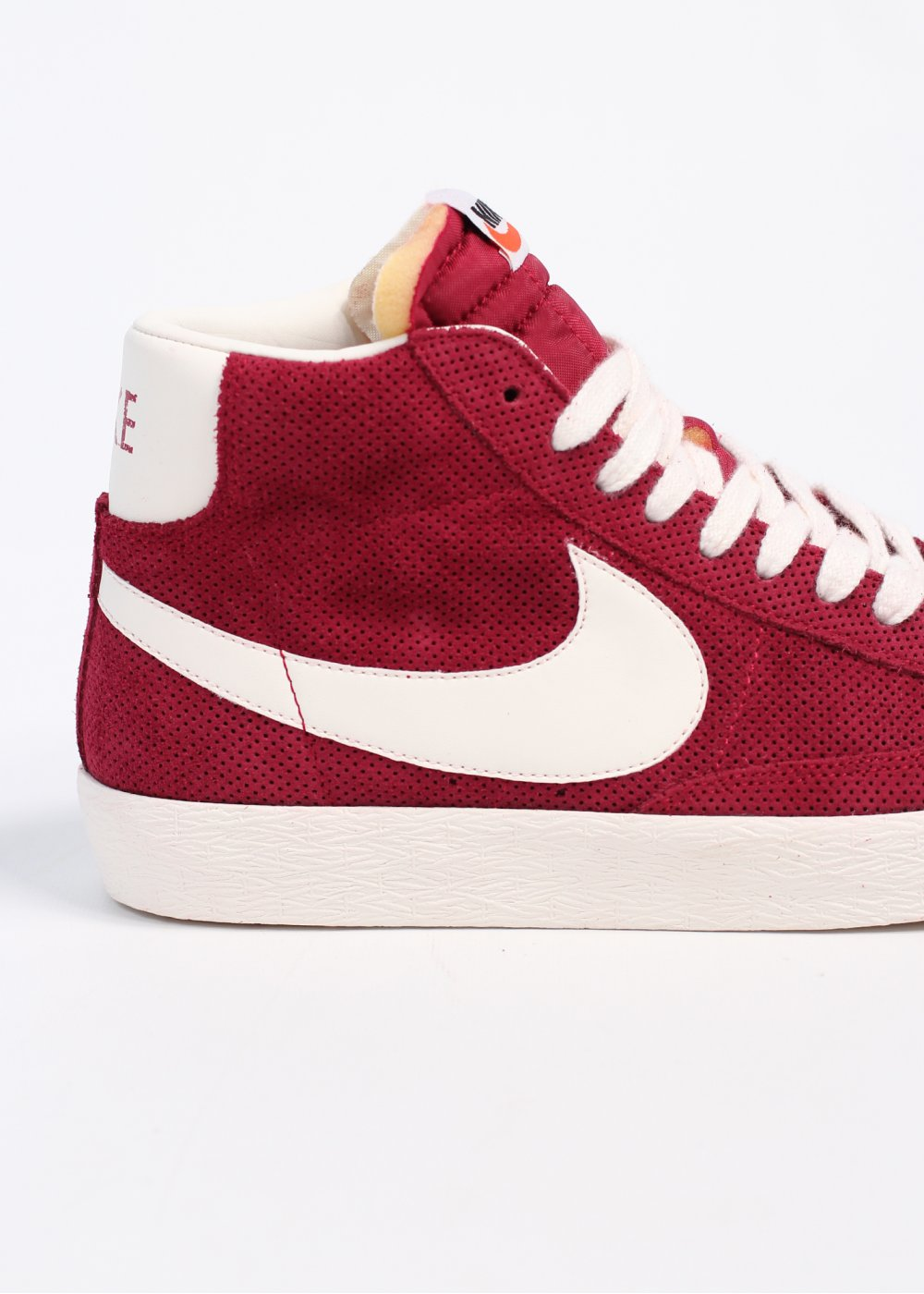 nike blazer mid suede vintage red embed. Black Bedroom Furniture Sets. Home Design Ideas
