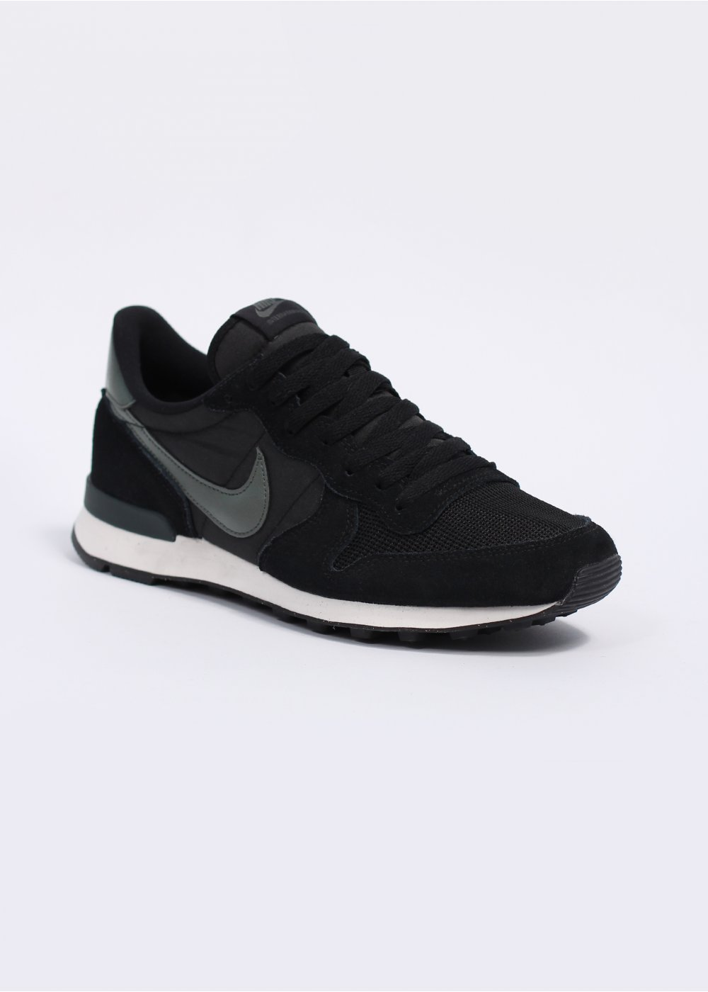 nike internationalist trainers black dark mica green. Black Bedroom Furniture Sets. Home Design Ideas