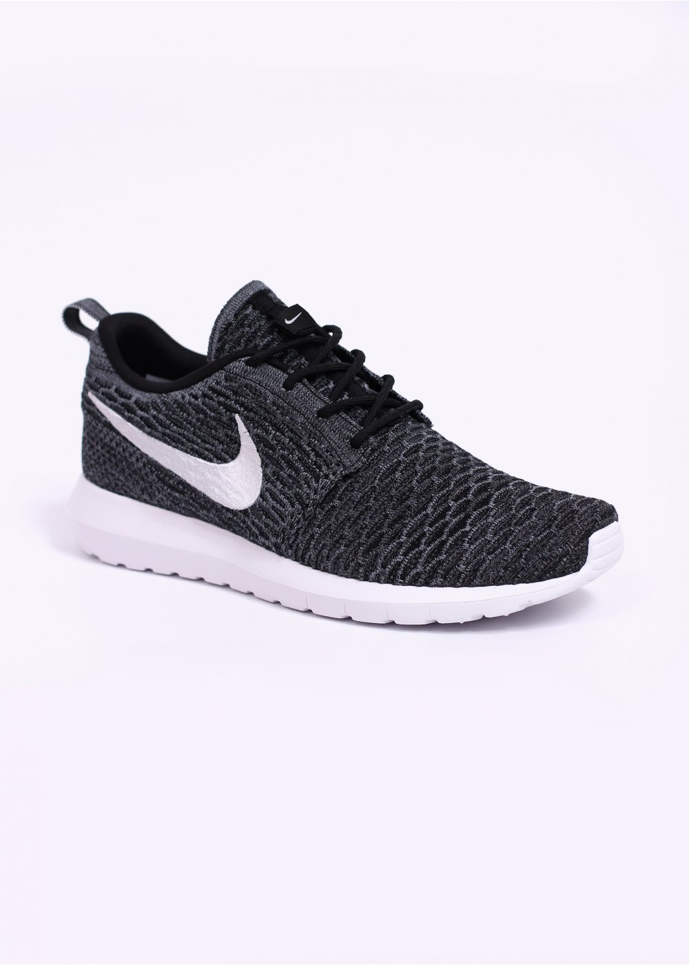 nike flyknit roshe run trainers black white dark grey. Black Bedroom Furniture Sets. Home Design Ideas