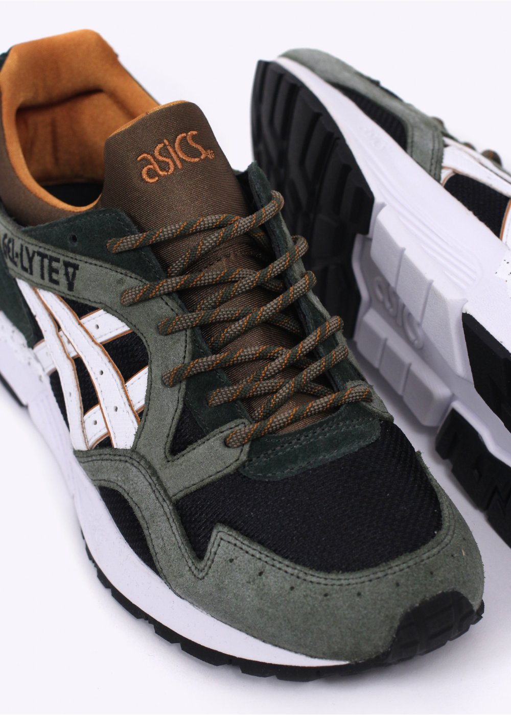 Black Gel Nails With One Silver Glitter Nail: ASICS Gel Lyte V 'Winter Trail' Trainers