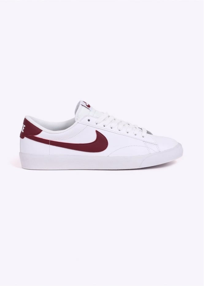 Nike Footwear Tennis Classic AC - White / Red