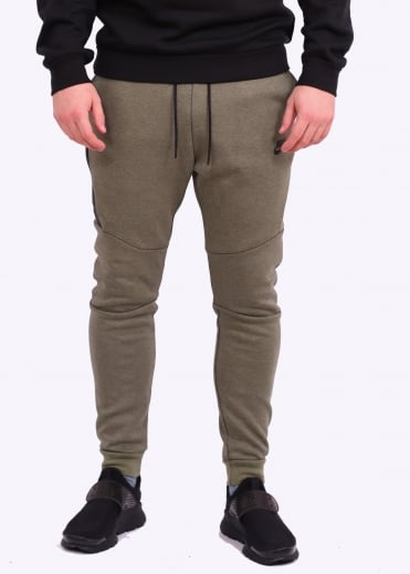 Nike Apparel Tech Fleece Jogger - Palm Green