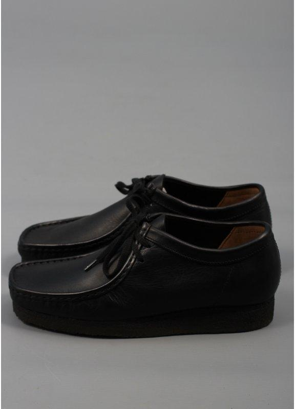 mens black leather wallabees