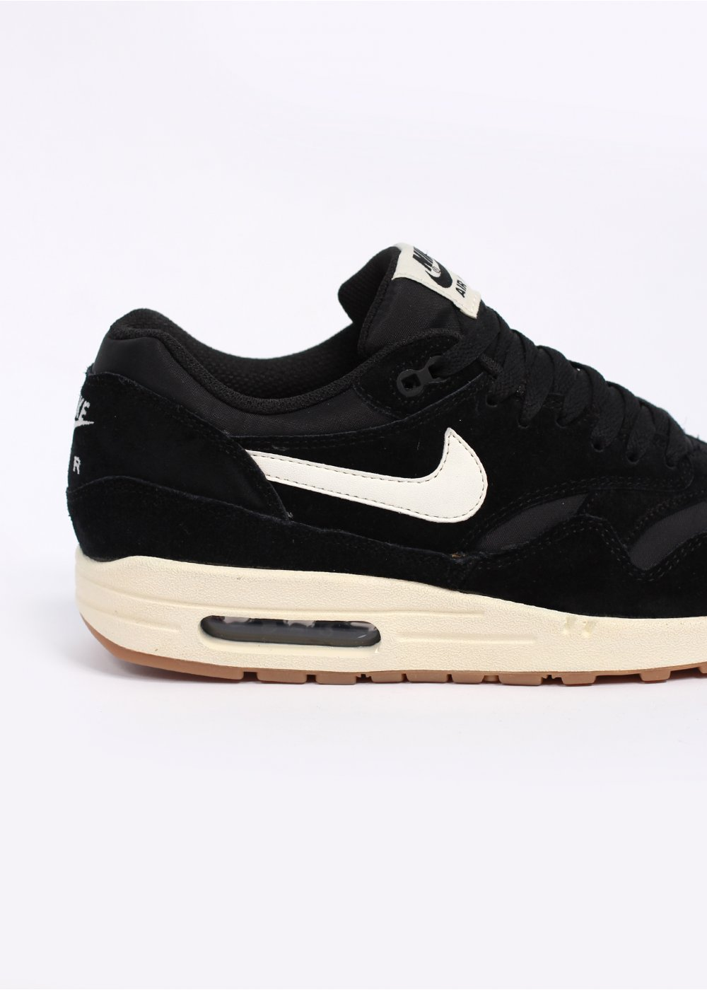 nike air max 1 essential trainers