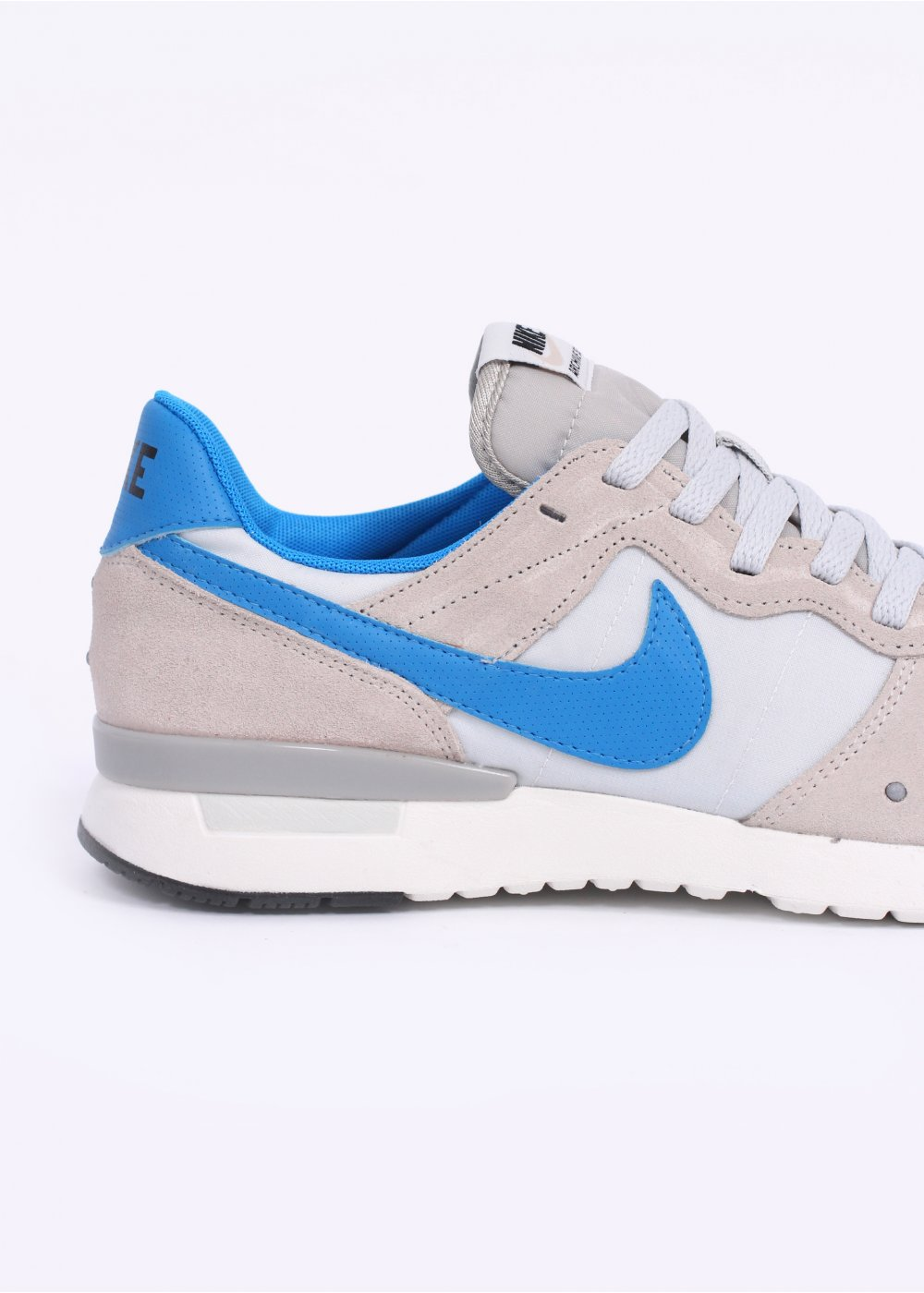 7d0eb6a5f5c6 Nike Archive  83.M Trainers - Light Bone   Photo Blue   Pure Platinum