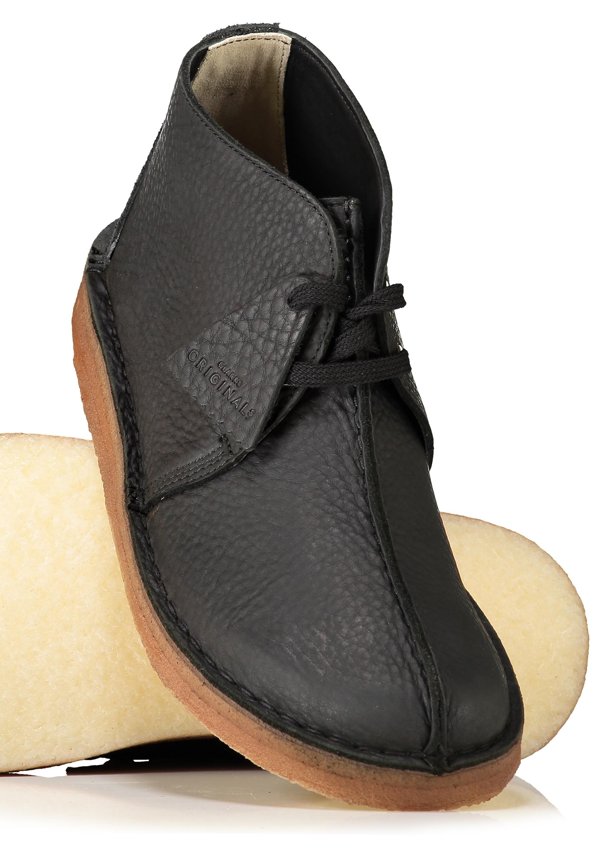 clarks desert trek black leather shoe